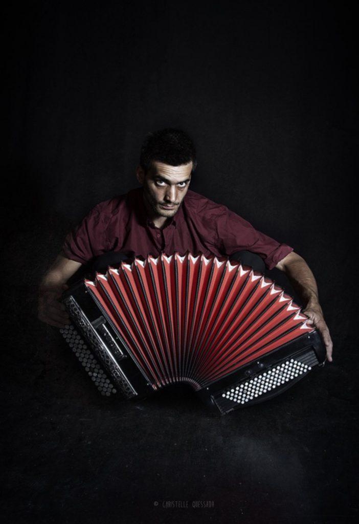 Floriant Demonsant propose un spectacle accordéon solo le 09 Novembre 2018 au théatre de l'enclos à la MJC Escalquens